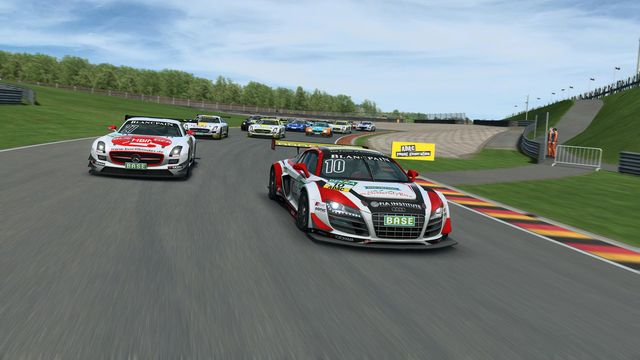 games similar to RaceRoom Racing Experience